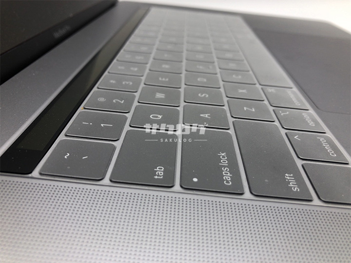 Macbookはキーボードが薄い